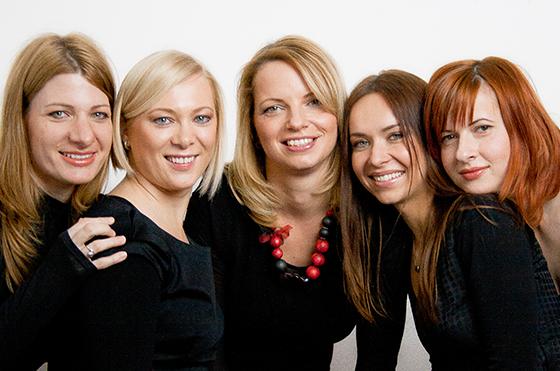 Učiteljice angleščine: Petra, Romana, Maja, Milda in Maja.