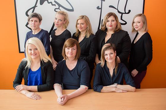 Nemščino učijo Marjeta, Karin, Jasmina, Brigita, Eva, Elita, Sabina in Blanka.