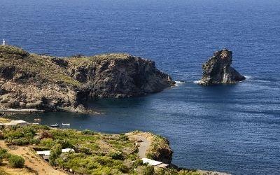 Pantelleria – sicilijanski otok, s katerega se vidi Tunizija